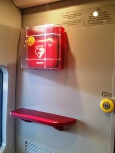 Defibrillatore a bordo dei treni Italo - Foto NTV