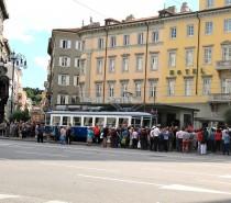 Torna il tram Trieste-Opicina, grande festa per la storica trenovia