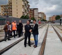 Consegnati i primi 100 metri della linea tram 2 di Firenze