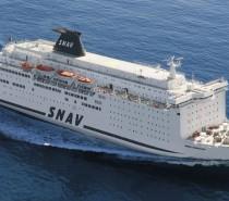 Accordo Trenitalia-Snav, vantaggi per chi viaggia treno+nave verso Ischia, Procida, Eolie e Croazia