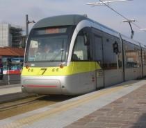 Il tram Bergamo-Albino promosso dagli utenti con 7+