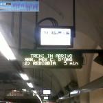 I display di stazione con le indicazioni delle due destinazioni