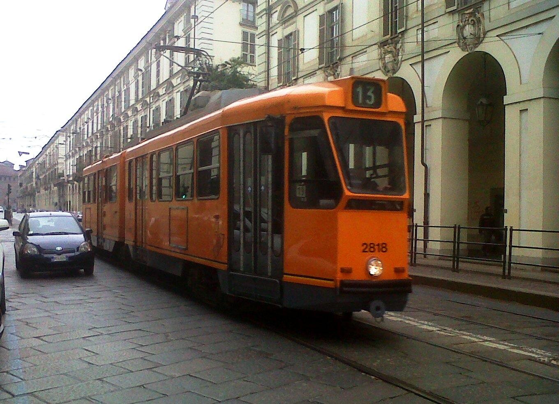 Tram della linea 13 lungo via Po - Foto Giovanni Giglio