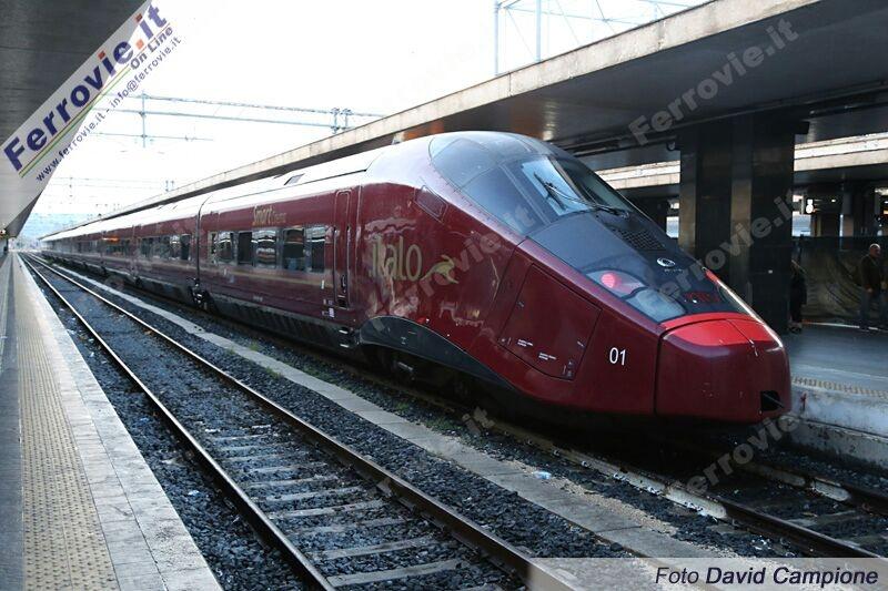 Prime corse da Roma Termini per il treno Alta Velocità Italo di NTV - Foto David Campione