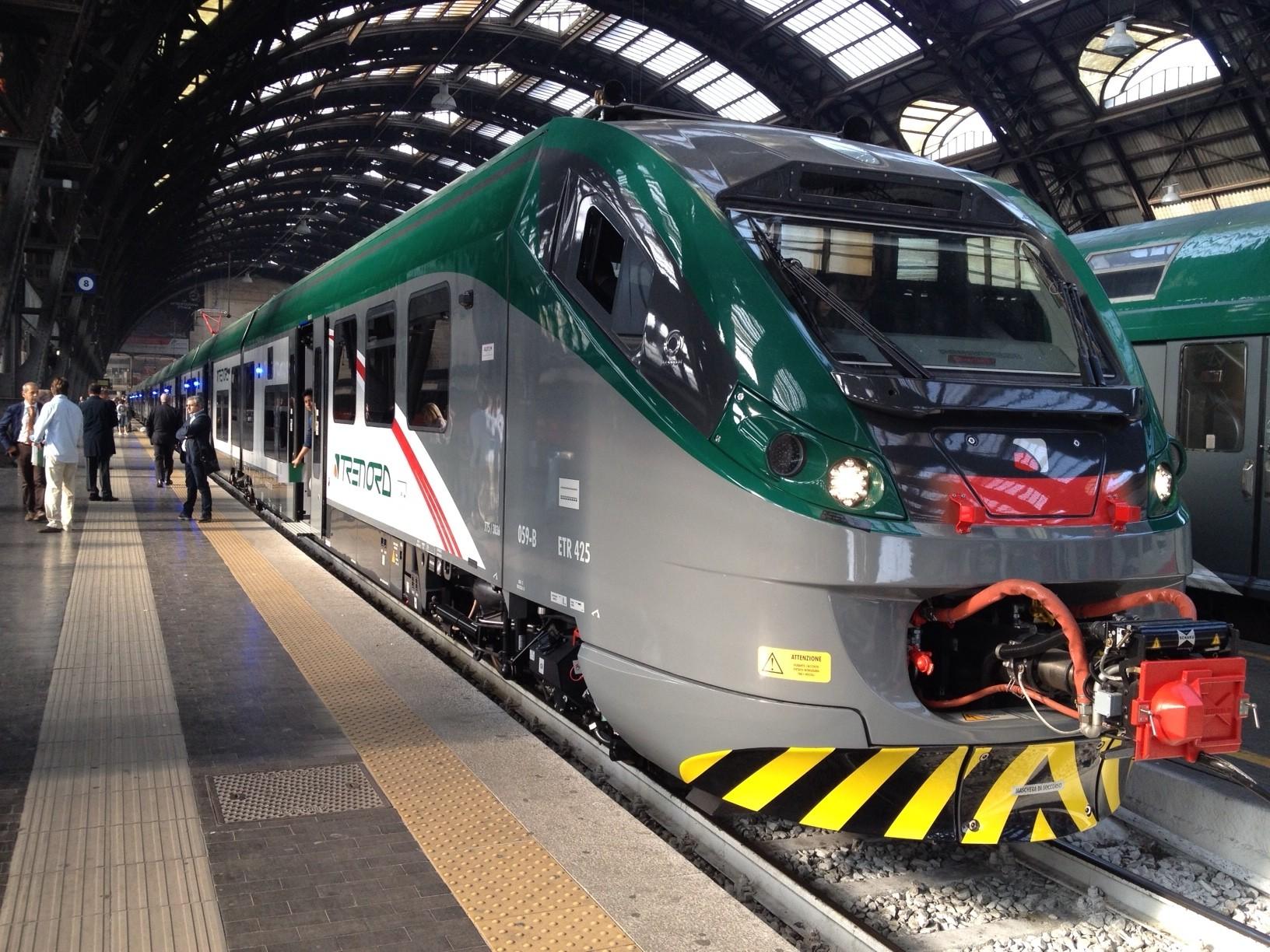 L'ETR425 Coradia Meridian di Trenord in servizio lungo la linea della Valtellina Milano-Sondrio-Tirano - Foto Trenord