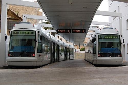 I tram Skoda in servizio sulla metropolitana leggera di Cagliari - Foto ARST