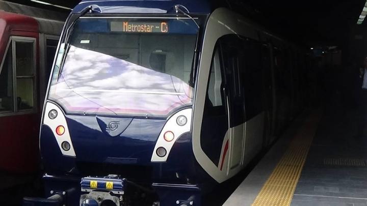 Treno Metrostar in servizio sulla rete Circumvesuviana - Foto Regione Campania