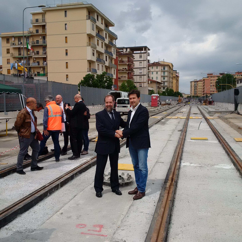 L'Ad di Alstom Ferroviaria Bertina e il sindaco di Firenze Nardella - Foto Alstom
