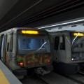 Una coppia di treni CAF orrendamente deturpati da graffiti sostano sui binari della stazione Jonio - Foto Edoardo Franchi