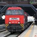 Un convoglio merci Hupac trainato da un G2000 in transito a Rho Fiera Milano - Foto Manuel Paa