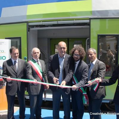 Taglio del nastro a Ladispoli del nuovo treno Vivalto - Foto Gruppo Fs Italiane