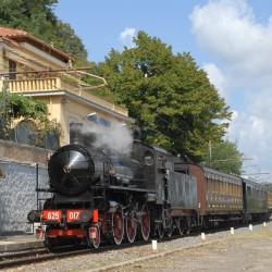 Il convoglio storico a vapore per la presentazione del Treno delle Ville Pontificie in sosta a Castel Gandolfo - Foto Giuseppe Mondelli