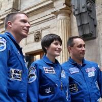 I tre astronauti nella Sala Reale della stazione di Milano Centrale - Foto Manuel Paa