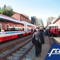Il nuovo treno Vulcano sulla sinistra e la ALn storica sulla destra - Foto FCE