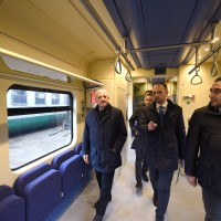 Il presidente De Luca a bordo del treno Alfa 2 - Foto Regione Campania/Massimo Pica