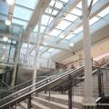Particolare delle scale e degli ascensori della Piastra Servizi di Roma Termini - Foto FS Italiane